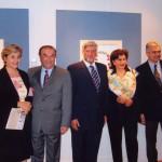 Από την ατομική έκθεση του Κ.Σ. στην ΕΛΛΗΝΙΚΗ ΠΡΕΣΒΕΙΑ στην Ουάσινγκτον (2007) η S. Mαλλιά, ο Δημήτρης Τσίτουρας ο Πρέσβης Αλέξανδρος Π. Μαλλιάς, η Zoe Κοσμίδου και ο Κ.Σ.